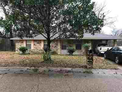 Natchez Single Family Home For Sale: 143 Tubman Circle