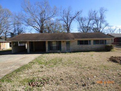 Natchez Single Family Home For Sale: 104 Crown Court Dr