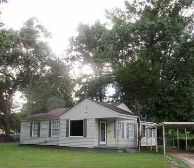 Adams County Single Family Home For Sale: 22 Oakwood Lane