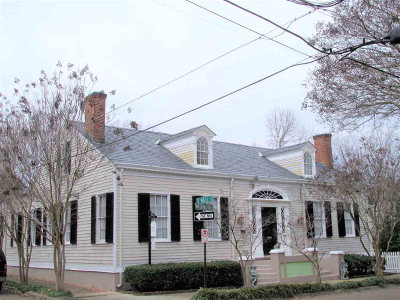 Adams County Single Family Home For Sale: 214 Washington Street