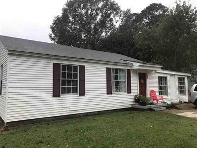 Adams County Single Family Home For Sale: 30 Oakwood Ln
