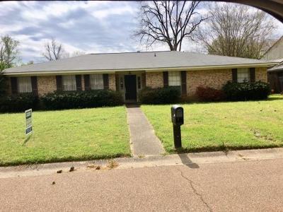 Natchez Single Family Home For Sale: 102 S Temple
