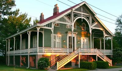 Natchez Single Family Home For Sale: 209 S Broadway St.