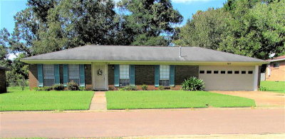 Natchez Single Family Home For Sale: 16 Pecan Way Drive