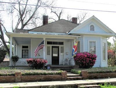Natchez Single Family Home For Sale: 327 Clifton Avenue