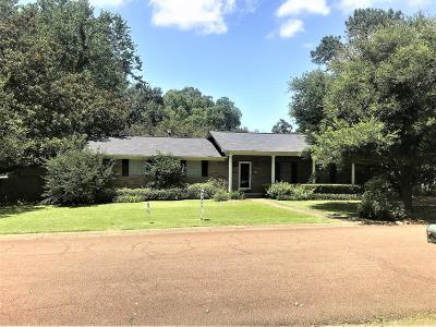 Natchez Single Family Home For Sale: 101 Pecanwood Drive