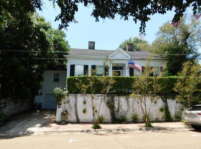 Natchez Single Family Home For Sale: 406 Orleans
