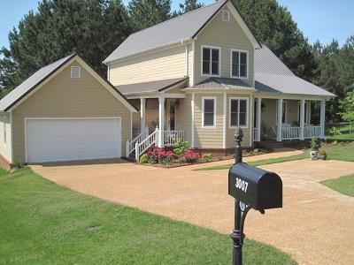 Single Family Home For Sale: 3007 Villa Cove