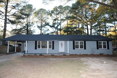 Bruce, Calhoun City, Derma, Abbeville, Banner, Batesville, Como, Taylor, Courtland, Crenshaw, Pope, Sardis, Charleston, Coffeeville, Oakland Single Family Home For Sale: 233 West