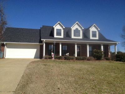 Oxford Single Family Home For Sale: 304 Tanner Dr