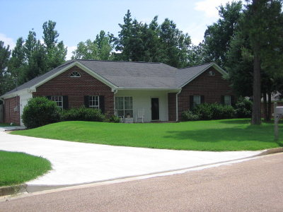 Oxford Single Family Home For Sale: 497 Alexa Dr.