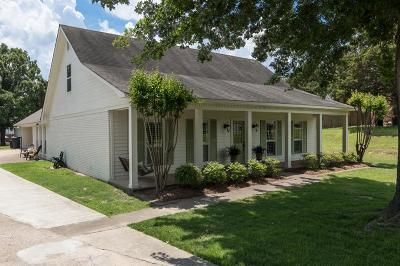 Oxford Single Family Home For Sale: 1006 Brooksberry Cove