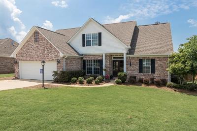 Oxford Single Family Home For Sale: 143 Breckenridge