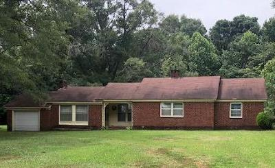 Coffeeville Single Family Home For Sale: 999 Tennessee
