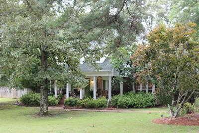 Oxford Single Family Home For Sale: 723 Shady Oaks Circle