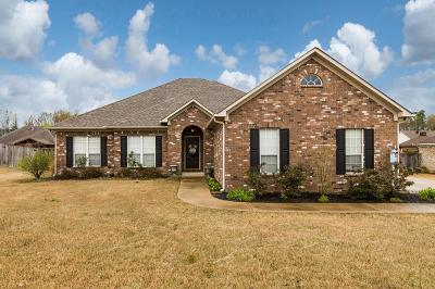 Oxford Single Family Home For Sale: 816 Butler Drive