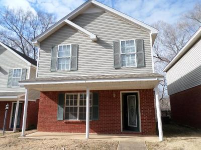 Oxford Single Family Home For Sale: 10 Pr 1106