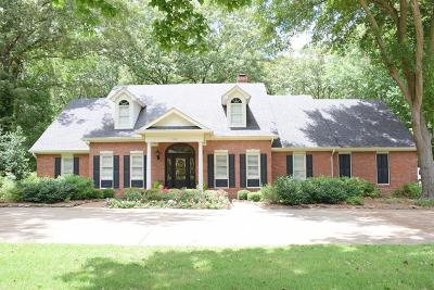 Oxford Single Family Home For Sale: 108 Woodland Hills Drive