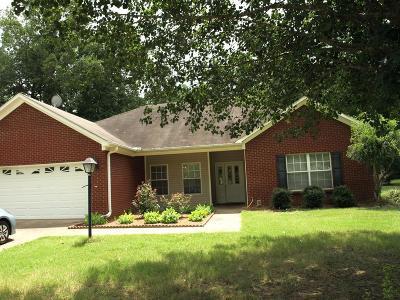 Oxford Single Family Home For Sale: 125 Peyton Circle