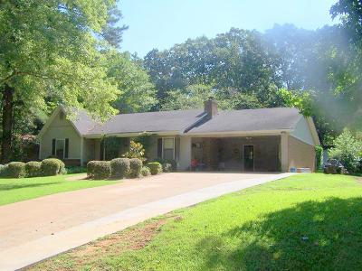 Oxford Single Family Home For Sale: 706 Happy Lane