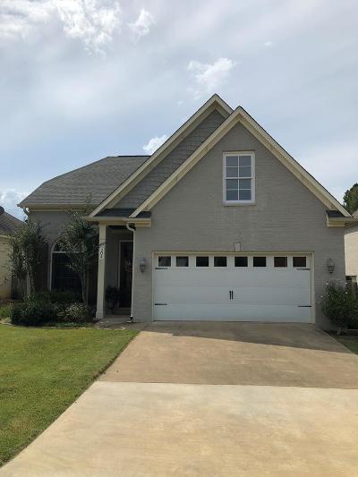 Oxford Single Family Home For Sale: 204 Avalon Lane