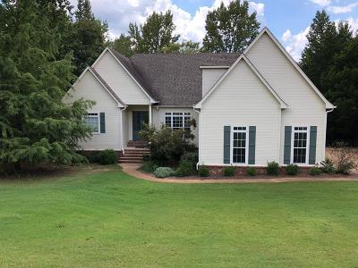 Oxford Single Family Home For Sale: 205 Woodlawn Drive