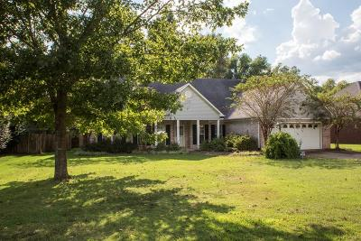 Oxford Single Family Home For Sale: 213 Powers