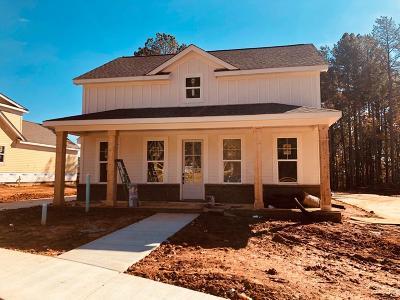 Oxford Single Family Home For Sale: 203 Bur Oak Cove