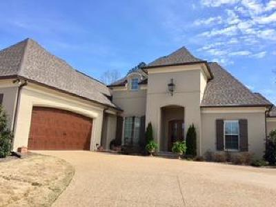Oxford Single Family Home For Sale: 16008 Woodview