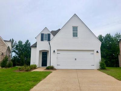 Oxford Single Family Home For Sale: 124 Glen Alden Circle