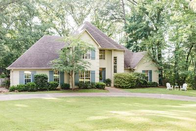 Oxford Single Family Home For Sale: 103 Pinecrest