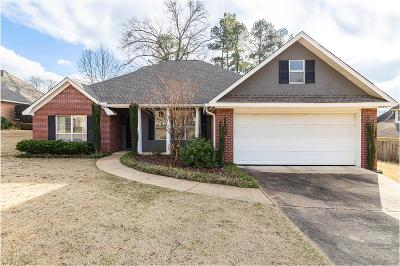 Oxford Single Family Home For Sale: 802 Pecan Cove