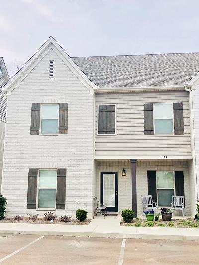Single Family Home For Sale: 114 Robbins Circle #8