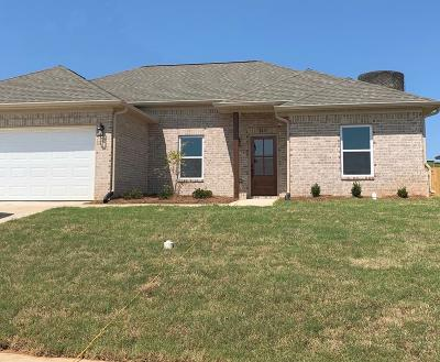 Oxford Single Family Home For Sale: 2013 Sweetbriar