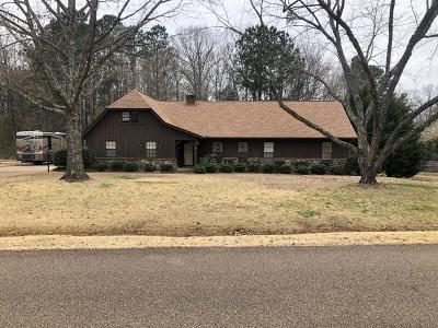 Oxford Single Family Home For Sale: 84 Larhonda