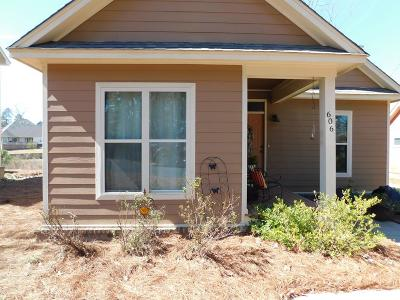 Oxford Single Family Home For Sale: 606 Starling Crest