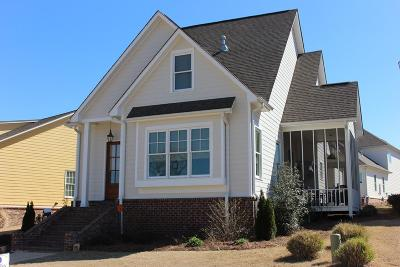 Oxford Single Family Home For Sale: 304 Abbey Lane