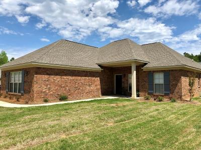 Oxford Single Family Home For Sale: 1016 Pebble Creek Dr