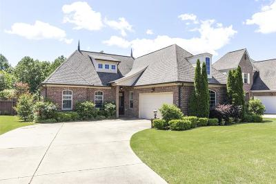 Oxford Single Family Home For Sale: 360 Windsor Drive North