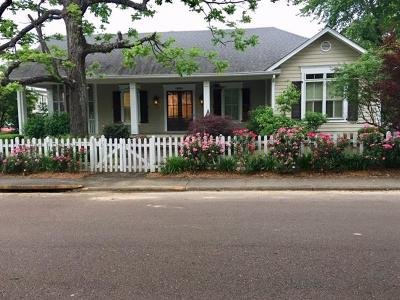 Oxford Single Family Home For Sale: 1801 Jackson Ave. East