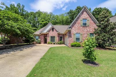 Oxford Single Family Home For Sale: 105 Windsor Falls Blvd