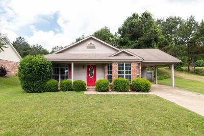 Oxford Single Family Home For Sale: 214 Salem Rd
