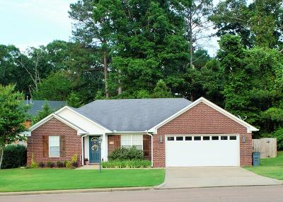 Oxford Single Family Home For Sale: 149 Eagle Point Loop