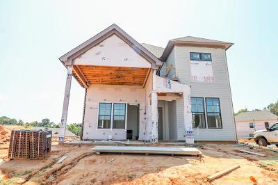 Oxford Single Family Home For Sale: 105 Farm View Dr. #106