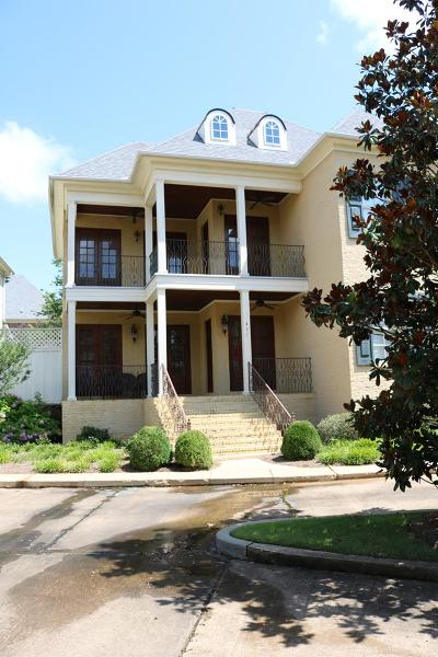 Oxford Single Family Home For Sale: 431 St Remy