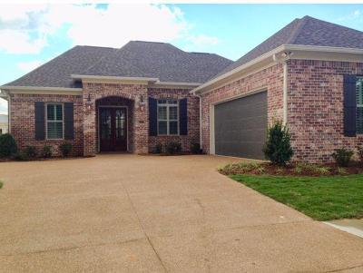 Oxford Single Family Home For Sale: 137 Mulberry