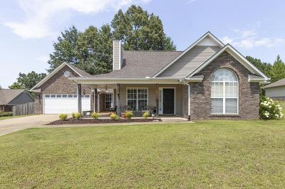 Oxford Single Family Home For Sale: 133 Shelbi Drive