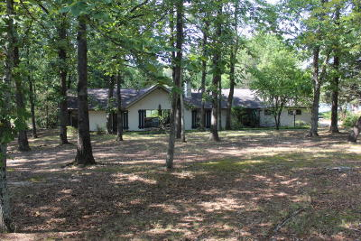 Single Family Home For Sale: 4470 Lakewood Ln.