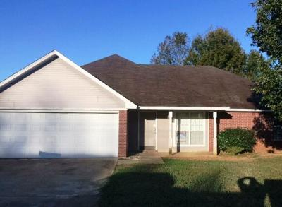 Tupelo MS Single Family Home For Sale: $97,520