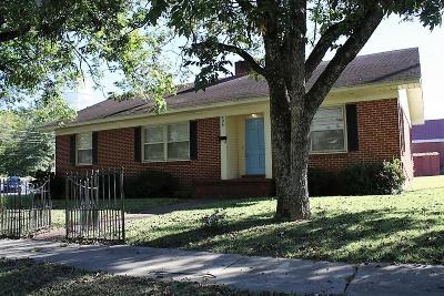 Marshall County, Benton County, Tippah County, Alcorn County, Prentiss County, Tishomingo County Single Family Home For Sale: 406 N Main St.